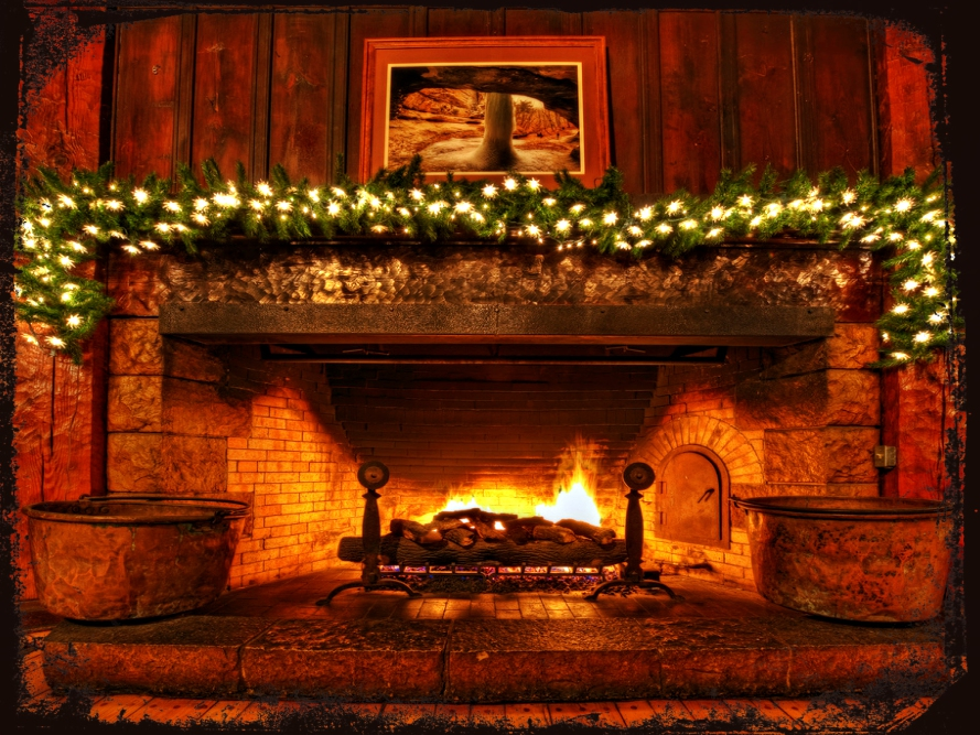christmas-fireplace-lights-deco-chestnuts